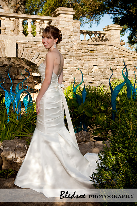 """Bride with Chihuly art at Cheekwood Botanical Gardens"""